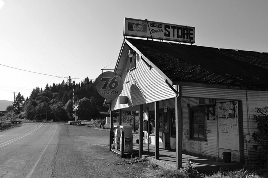 Curtin General Store - Wikimedia Commons - Visitor7 BW